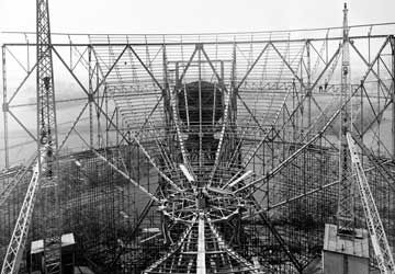 Construction of the steelwork underpinning the reflecting surface of the giant Mark I Telescope.